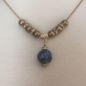 Jewelry - Bluish gray iridescent necklace